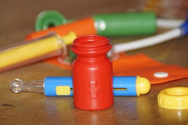 kit-docteur-jouet